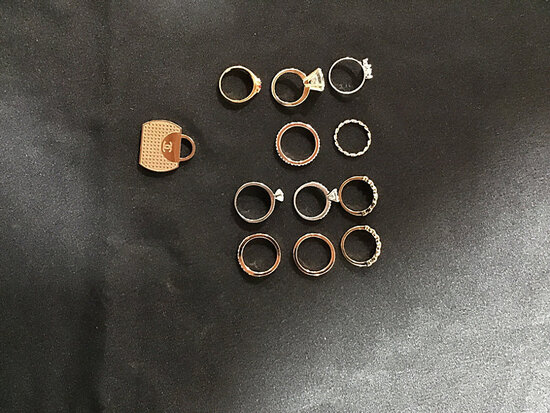 12 assorted jewelry PCs (Used ) NOTE: This unit is being sold AS IS/WHERE IS via Timed Auction and i