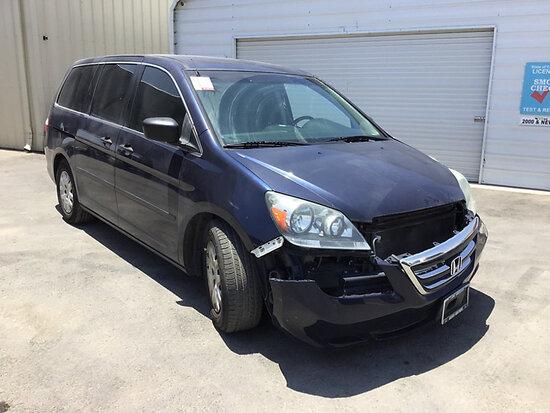 2007 Honda Odyssey Passenger Van Runs and drives, front end body damage