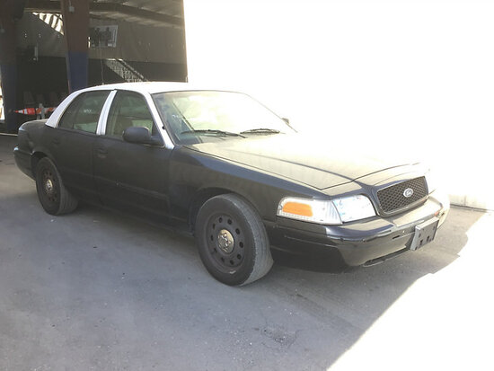 2009 Ford Crown Victoria 4-Door Sedan runs and drives, needs engine work, stripped of parts, engine