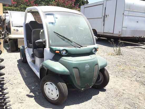 2001 GEM 825 Utility Cart No key, running condition unknown, open recall parts are unavailable, no o