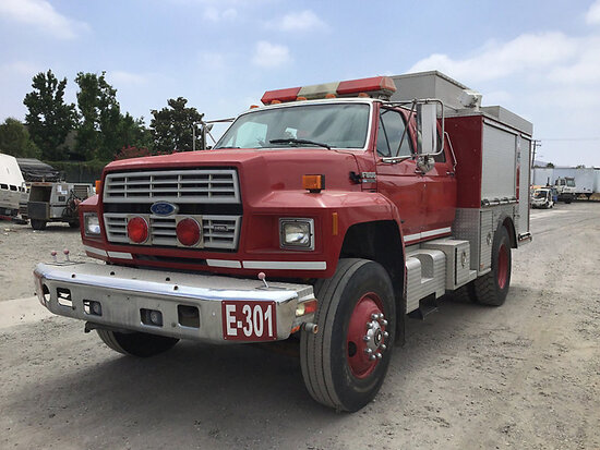 1992 Ford F800 Pumper/Fire Truck Runs and drives, subject to arb regulations