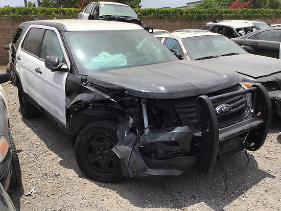 2018 Ford Explorer 4x4 4-Door Sport Utility Vehicle non runner, no key, wrecked, airbags deployed, s
