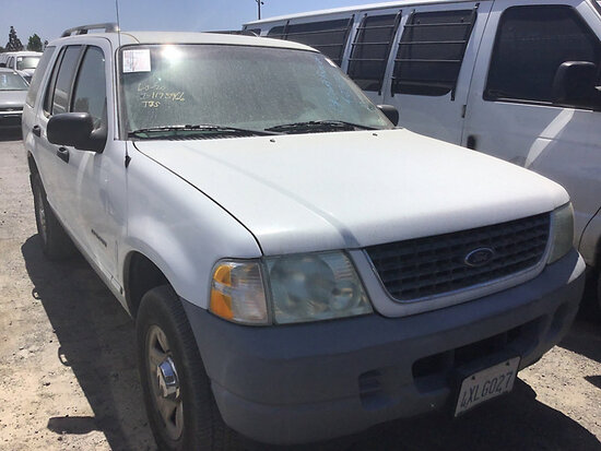 2002 Ford Explorer 4x4 4-Door Sport Utility Vehicle Runs and drives