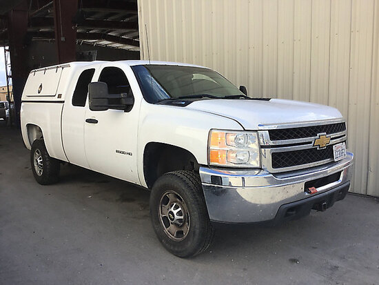 2012 Chevrolet K2500HD 4x4 Extended-Cab Pickup Truck Runs and drives, duplicate title