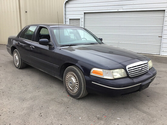2002 Ford Crown Victoria 4-Door Sedan Runs and drives