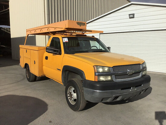 2004 Chevrolet C3500 Service Truck Runs and drives, needs catalytic converter