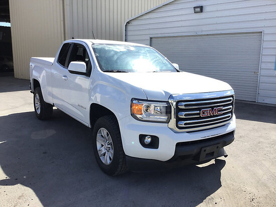 2018 GMC Canyon 4x4 Extended-Cab Pickup Truck Runs and drives, rear body damage