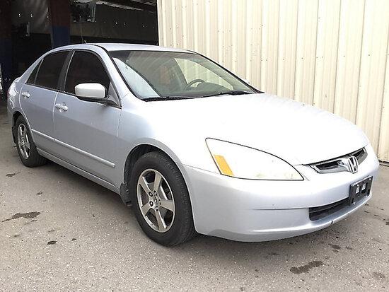 2005 Honda Accord 4-Door Sedan Runs and drives, Passed smog, Bad Transmission,