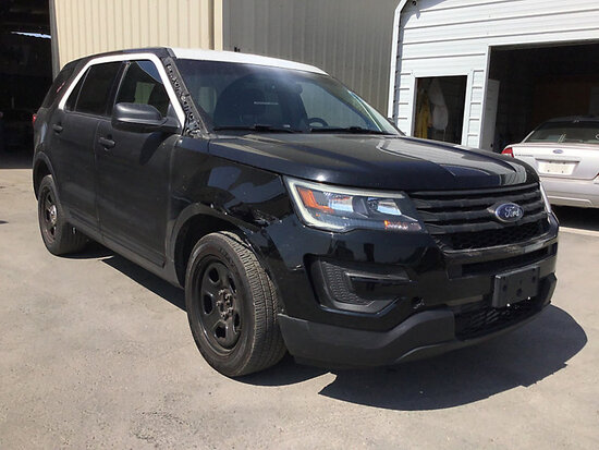 2016 Ford Explorer 4x4 4-Door Sport Utility Vehicle, Awd Runs and drives, stripped of parts, check e