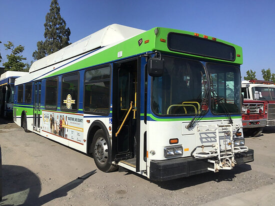 2003 NEW FLYER C40LF Passenger Bus Runs and drives Cng tank expires 2023