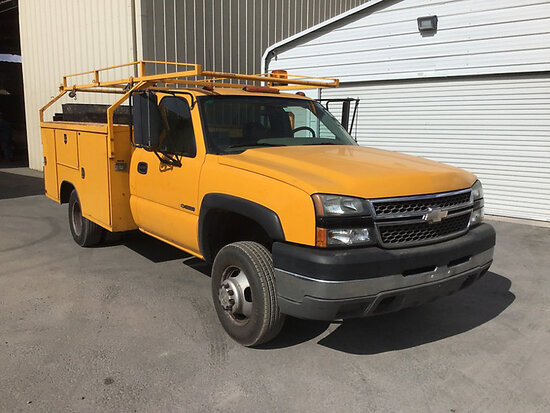 2005 Chevrolet C3500 Service Truck Runs and drives, needs catalytic converter, check engine light on