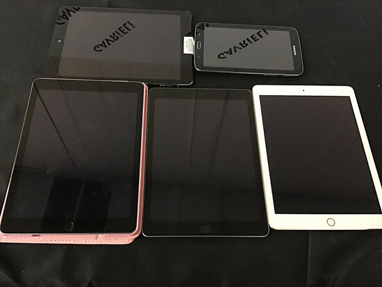 4 iPads and Samsung tablet | possibly locked (Used) NOTE: This unit is being sold AS IS/WHERE IS via