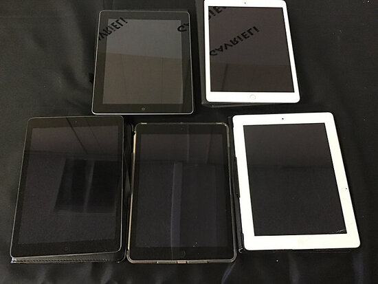 5 iPads | possibly locked (Used) NOTE: This unit is being sold AS IS/WHERE IS via Timed Auction and