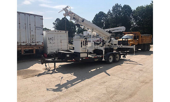 (Seward, NE) Altec DB35, Back Yard Digger Derrick mounted on 2005 Hinowa PT3000 Tracked Back Yard Ca
