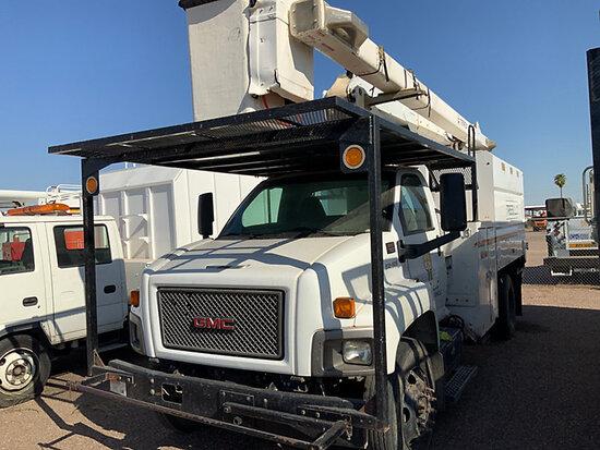 Terex/HiRanger XT55, Over-Center Bucket mounted behind cab on 2009 GMC C7500 Chipper Dump Truck runs