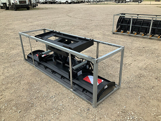 2020 Great Bear 86 in Skid Steer Hydraulic Snow Plow Attachment (New/Unused) NOTE: This unit is bein