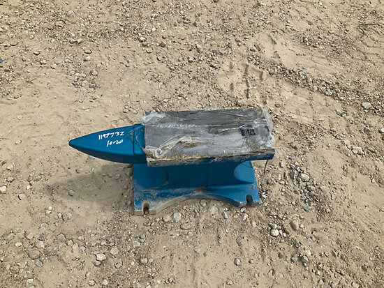 2020 Great Bear Cast Iron Anvil - 200lbs (New/Unused) NOTE: This unit is being sold AS IS/WHERE IS v