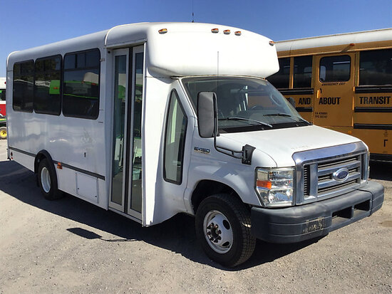 2009 Ford E450 Passenger Bus, 21 passenger bus runs and drives, subject to arb regulations