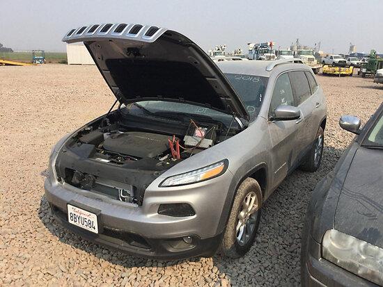 2018 Jeep Cherokee Latitude 4-Door Sport Utility Vehicle Runs & Drives) (30-Day Title Delay