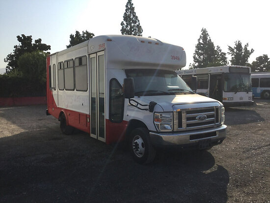 2014 Ford E450 Passenger Bus Runs and drives, interior stripped of parts