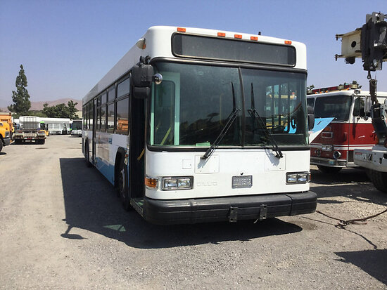 2004 Gillig Bus Subject to arb regulation, non runner stripped of parts