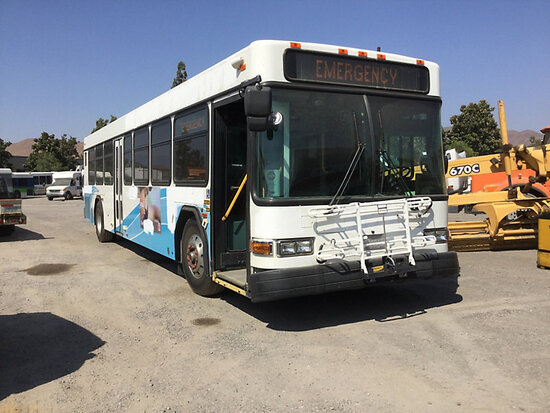 2004 Gillig Bus Runs and drives, vehicle is subject to arb regulations