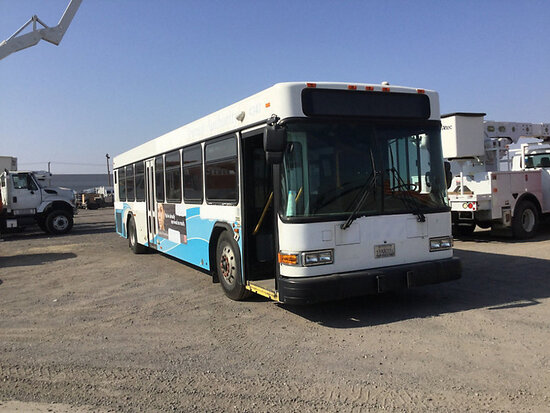 2004 Gillig Bus Runs and drives, interior stripped of parts subject to the arb regulations