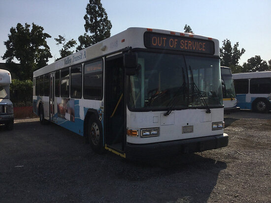 2004 Gillig Bus Subject to arb regulations, Runs and drives, check engine light on