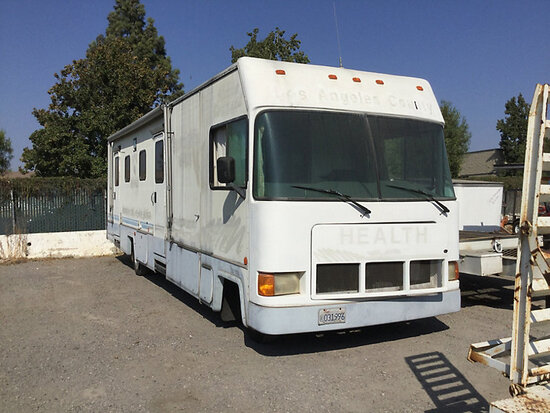 1995 Chevrolet Motorhome RV Motor Home Runs and drives, has cracked tires