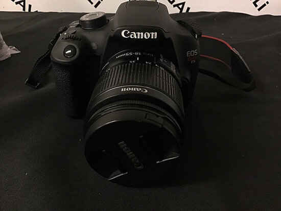 Canon eos rebel T5 digital camera   has battery   no charger or plugs (Used ) NOTE: This unit is bei