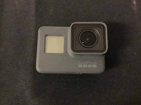 Go pro hero 6   has battery no plugs (Used ) NOTE: This unit is being sold AS IS/WHERE IS via Timed