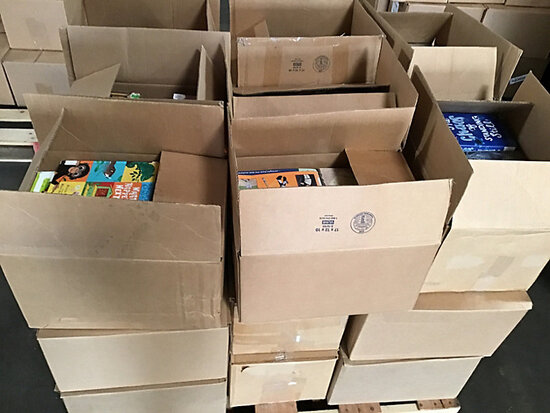 Assorted library books (Used) NOTE: This unit is being sold AS IS/WHERE IS via Timed Auction and is