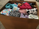 Assorted blankets (Used | box not included | pallet not included ) NOTE: This unit is being sold AS