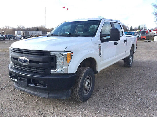 2017 Ford F250 4x4 Crew-Cab Pickup Truck runs & moves, needs brake pads & rotors, cracked windshield
