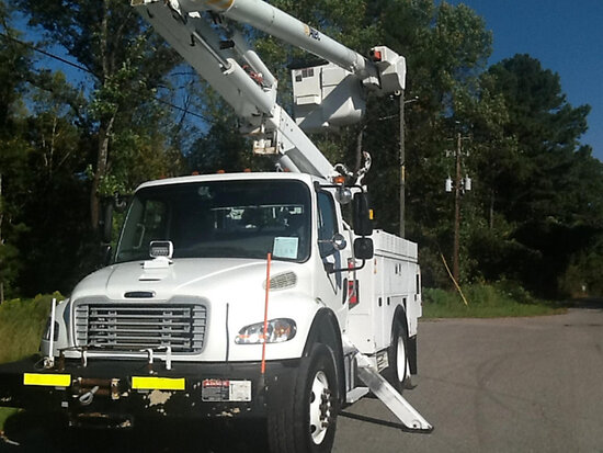 Altec L42M, Over-Center Material Handling Bucket Truck center mounted on 2014 Freightliner M2 106 Ut