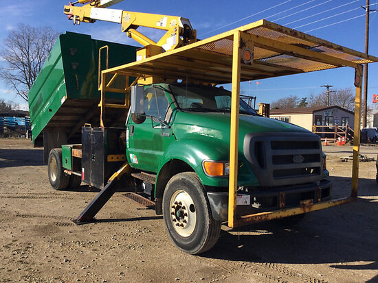 Terex/HiRanger XT60, Over-Center Bucket Truck mounted behind cab on 2010 Ford F750 Chipper Dump Truc