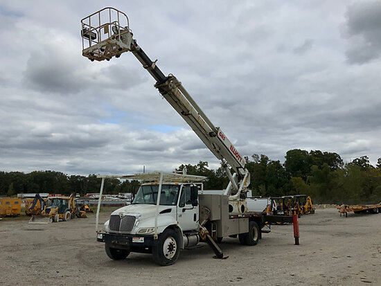 Elliott G85R-MHA, Telescopic Non-Insulated Sign Crane/Platform Lift rear mounted on 2003 Internation