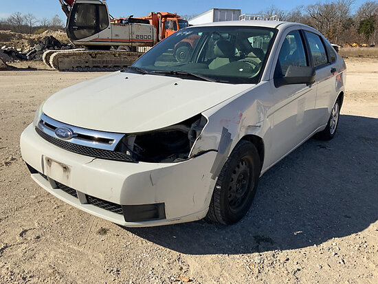 2009 Ford Focus 4-Door Sedan Runs, Moves. Body Damage, Missing Headlight