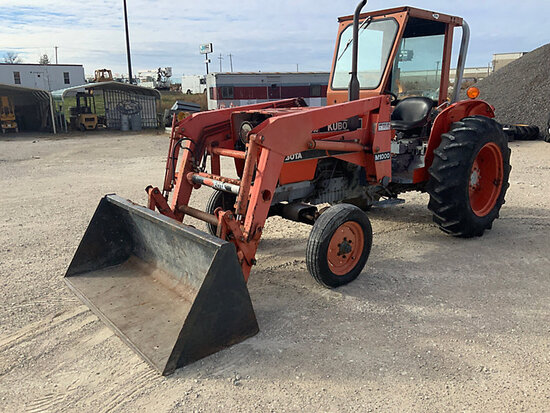 Kubota M4030SU Rubber Tired Utility Tractor Starts, Runs, Moves, Loader Inoperable. PTO Stays Runnin