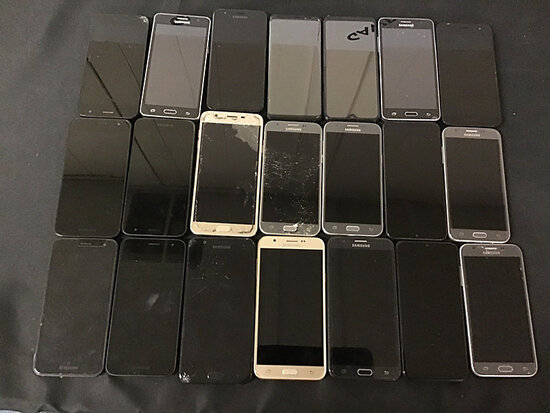 21 Samsung cellphones | possibly locked | some have damage | reactivation status unknown (Used ) NOT