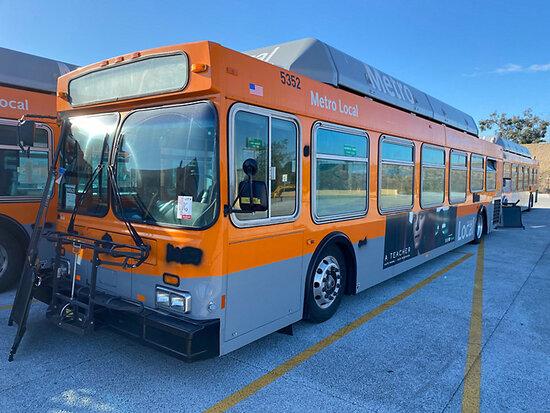 2000 NEW FLYER C40LF Passenger Bus DISMANTLER ONLY!  Junk receipt in transit, 7878 Telegraph Rd, Dow