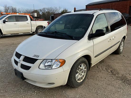 (Des Moines, IA) 2002 Dodge Grand Caravan Mini Passenger Van Runs, Moves