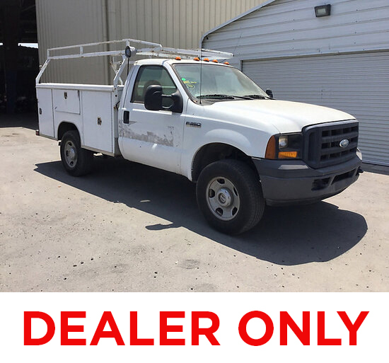 2006 Ford F350 4x4 Service Truck DEALER ONLY! NO RETAIL BUYERS! Runs and moves, missing catalytic co