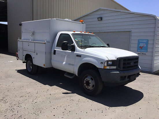 2002 Ford F450 Service Truck Runs and moves, paint damage, minor body damage