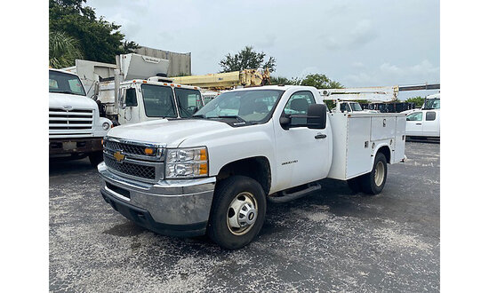 (West Palm Beach, FL) 2012 Chevrolet 3500HD Service Truck Runs and moves. Check engine light is on.