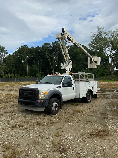 Versalift SST37EIH, Articulating & Telescopic Non-Insulated Bucket Truck mounted behind cab on 2011