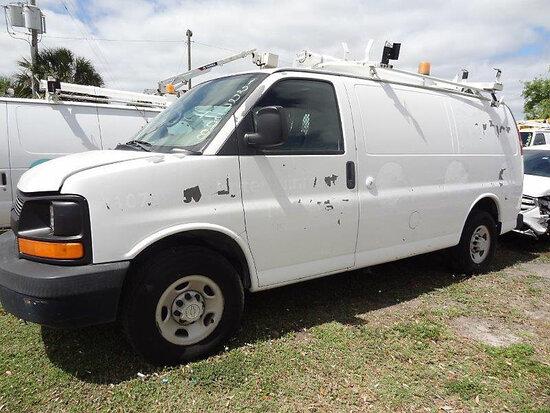 2007 Chevrolet G2500 Cargo Van runs & moves, minor body damage