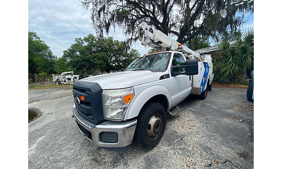 Altec AT200-A, Articulating & Telescopic Non-Insulated Bucket Truck mounted behind cab on 2012 Ford