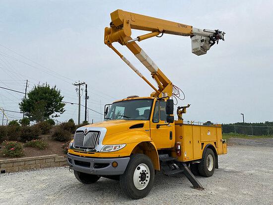 (Villa Rica, GA) HiRanger TL45-MH, Articulating & Telescopic Material Handling Bucket Truck mounted