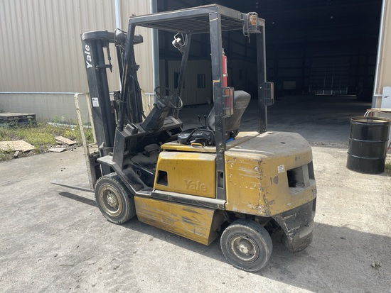 "Yale Gdp050rgeuae086 Forklift; S/n A875b27773b; 5,000 Maximum Capacity; 3-stage Mast; 194"" Max Lift"